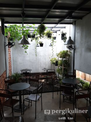 Foto 3 - Interior di Lot Thirty Six Coffee Shop oleh Selfi Tan
