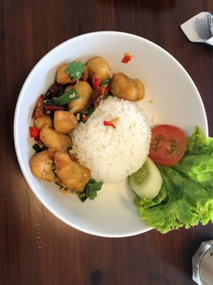 Foto 1 - Makanan(Salt Chicken) di Vintage Cafe oleh Budi Lee