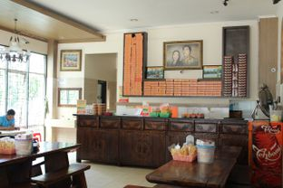 Foto 5 - Interior di Soto Bu Tjondro oleh Komentator Isenk