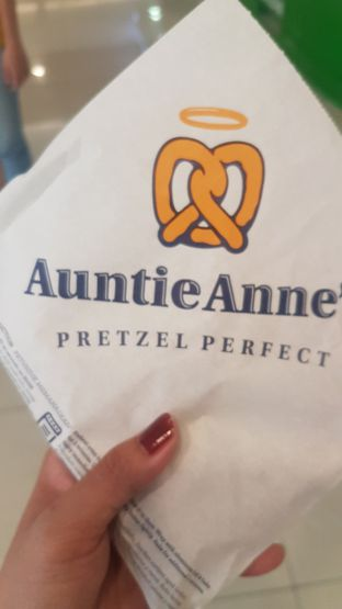 Foto 1 - Makanan di Auntie Anne's oleh Lid wen