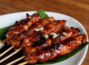 Artis Mancanegara Pecinta Makanan Khas Indonesia