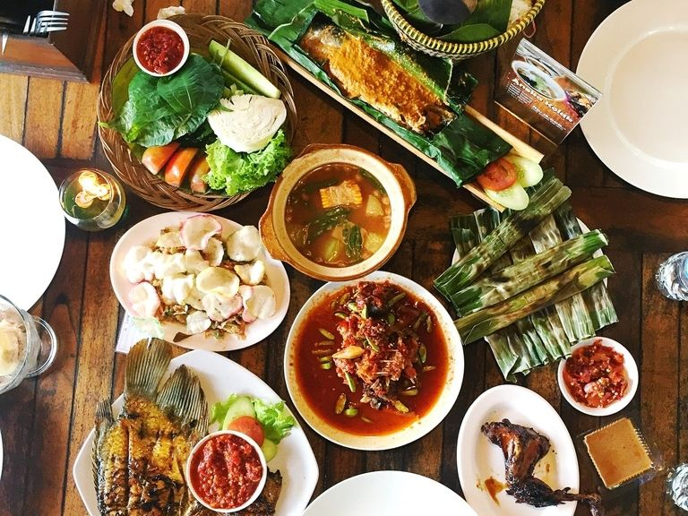 Kenapa Sih Kita Sering Ngantuk Setelah Makan Siang?