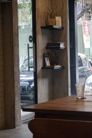 Foto 12 - Interior di Manhattan Coffee oleh yudistira ishak abrar