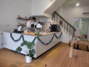 Foto 7 - Interior di Ruach Coffee oleh Makan Terus