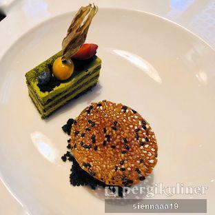 Foto 7 - Makanan(layered greentea mousse cake) di Akira Back Indonesia oleh Sienna Paramitha