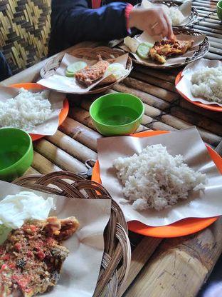 Foto review Ayam Gepuk Pak Gembus oleh Nurul Fitriya 2