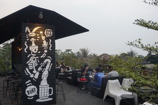 Foto 12 - Interior di Level 03 Rooftop & Grill by Two Stories oleh yudistira ishak abrar