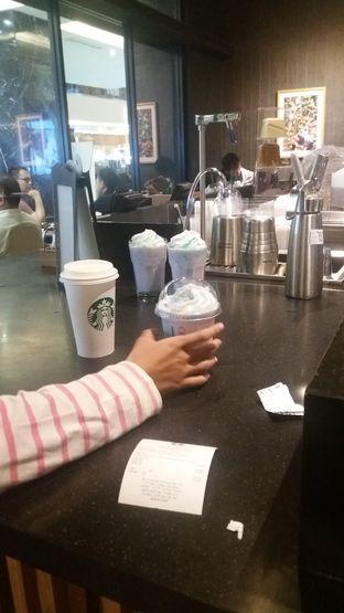 Foto 7 - Interior di Starbucks Coffee oleh Devi Renat