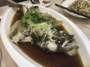 Foto 4 - Makanan(Ikan Tim Hongkong) di Bao Lai Restaurant oleh Oswin Liandow