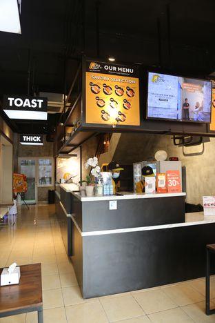 Foto 3 - Interior(lucu ga sii cozy gitu) di Thick Toast oleh Adelaide Lavenia