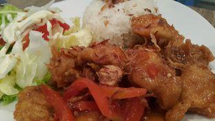 Foto 4 - Makanan(Rice with Chili Chicken IDR 35,000  Rasa agak berat but still okay!  Porsi dg harga sebanding) di Garasi Ergo oleh Roy Moni
