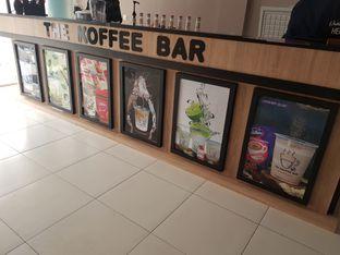 Foto 5 - Interior di The Koffee Bar oleh D L