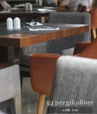 Foto 4 - Interior di Relish Bistro oleh Selfi Tan