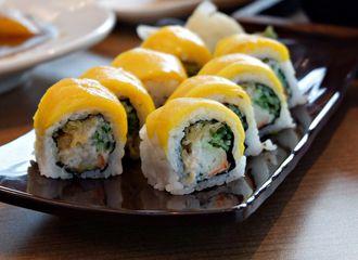 5 Sushi di PIM yang Bisa Kalian Nikmati Kelezatannya!