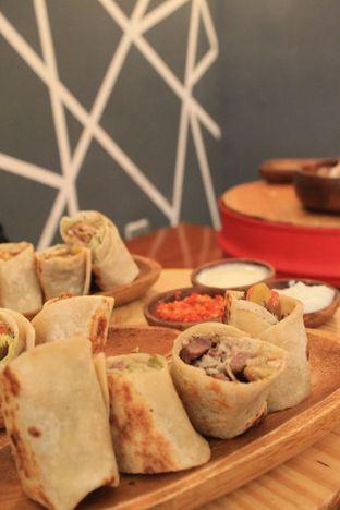 Foto 25 - Makanan di Emado's Shawarma oleh Prido ZH
