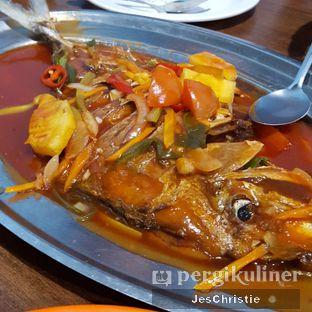 Foto 4 - Makanan(Ikan Asam Manis) di Saung 89 Seafood oleh JC Wen