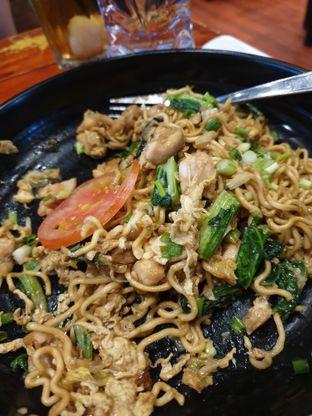 Foto - Makanan(Mi Goreng Ayam) di Shao Kao oleh Henny Adriani