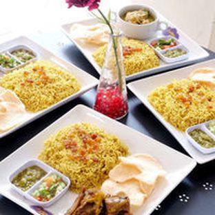 Foto 1 - Makanan(Biyani Kambing/ayam beras Lokal) di Arabian Nights Eatery oleh Asob Praja