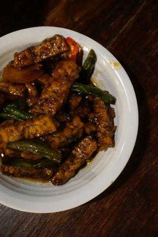 Foto 11 - Makanan di Warung Nasi Ampera oleh yudistira ishak abrar