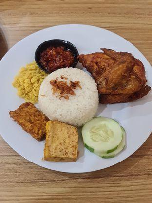 Foto review Ayam Gedebuk oleh Fensi Safan 1