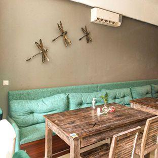 Foto 16 - Interior di PLUIE Cafe & Resto oleh duocicip