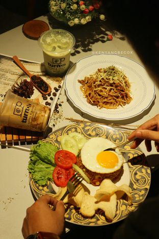 Foto 14 - Makanan di Turn On Coffee & Eatery oleh Vionna & Tommy