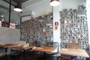 Foto 12 - Interior di Pomato Coffee oleh inggie @makandll