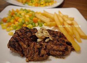 21 Tempat Makan Enak di Pakuwon Mall Surabaya yang Sulit Ditolak