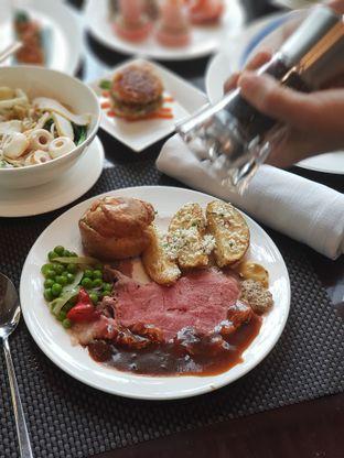 Foto 3 - Makanan di Asia - The Ritz Carlton Mega Kuningan oleh Makankalap