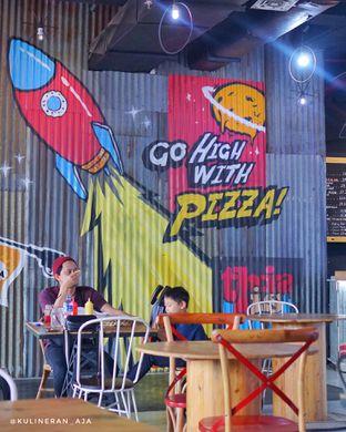 Foto 4 - Interior di Panties Pizza oleh @kulineran_aja