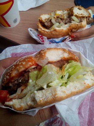 Foto 1 - Makanan di Carl's Jr. oleh Cindy Anfa'u