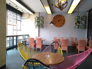 Foto 5 - Interior di De Cafe Rooftop Garden oleh yeli nurlena