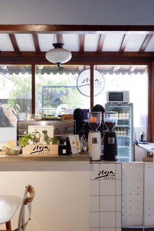 Foto 10 - Interior di Stuja Coffee oleh yudistira ishak abrar