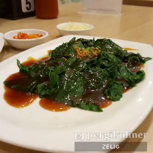 Foto 3 - Makanan(Kailan Hoyu Jun Njan) di Jun Njan oleh @teddyzelig