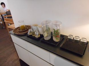 Foto 4 - Interior di Kopi Manyar oleh Olivia @foodsid