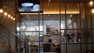 Foto 10 - Interior di Phos Coffee oleh Deasy Lim