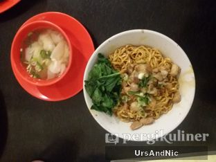 Foto 8 - Makanan(Mie yamin pangsit rebus) di Bakmi Acha oleh UrsAndNic
