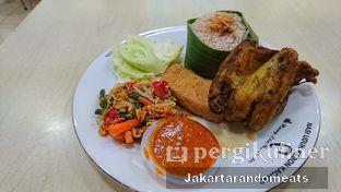 Foto review Ayam Goreng Nasi Uduk Kebon Kacang Nu Bang H. Ali oleh Jakartarandomeats 1