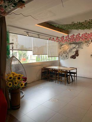 Foto 13 - Interior di Home Brew Coffee oleh Deasy Lim
