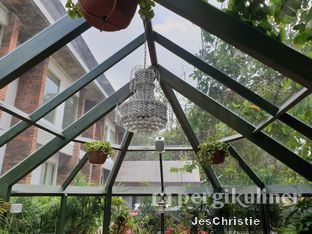Foto 4 - Interior di The Potting Shed - The House Tour Hotel oleh JC Wen
