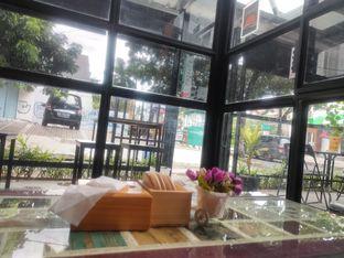 Foto 2 - Interior di Sahabat Senja oleh Makan Terus