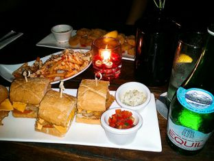 Foto 2 - Makanan di Beer Garden oleh Vicky Angdi