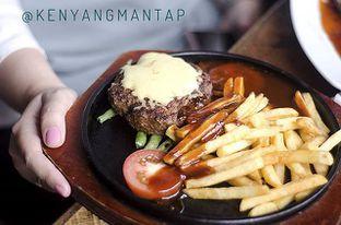 Foto 2 - Makanan(Hamburg Steak, 49K Rupiah) di Karnivor oleh Luthfizar Hilmandio Akbar
