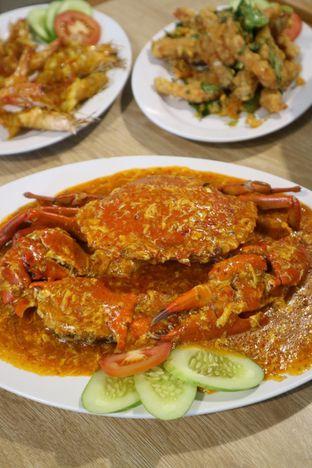 Foto 1 - Makanan di Rezeki Seafood oleh feedthecat