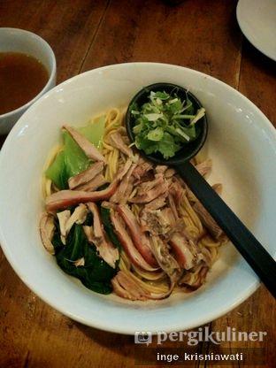 Foto 4 - Makanan(Lamian Bebek) di Lamian Palace oleh Inge Inge