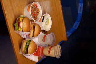 Foto review Thirsty & Hungry oleh yudistira ishak abrar 17