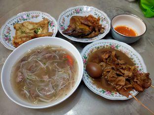 Foto 1 - Makanan(Soto dan sate) di Soto Seger Kartosuro oleh FX JO
