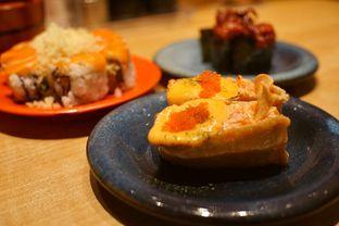 Foto 2 - Makanan(Spicy Salmon Inari) di Sushi Tei oleh Fadhlur Rohman