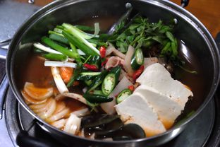 Foto 4 - Makanan(haemul jengol) di SanHaeJinMi oleh Marsha Sehan