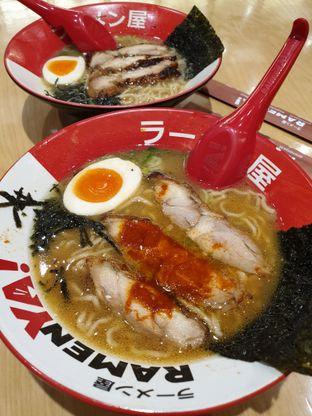 Foto 1 - Makanan di RamenYA oleh ig: @andriselly